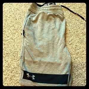 Men's UA Grey with black shorts Size Large